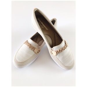 Grasshoppers | NWT Windham Stone Slip On Shoes